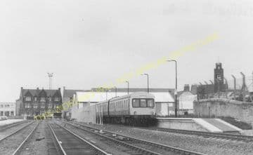 Bathgate Railway Station Photo. Livingstone - Westfield. (2)