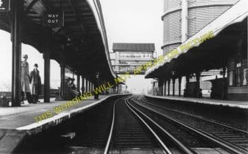 Battersea Park Railway Station Photo. Victoria to Clapham Jc and Wansworth (2)