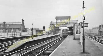 Battersea Park Railway Station Photo. Victoria to Clapham Jc and Wansworth (8).