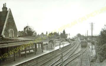 Battle Railway Station Photo. Robertsbridge - Crowhurst. Bexhill Line. (3).