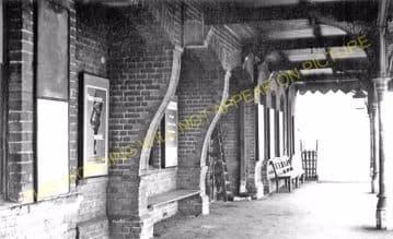 Battlesbridge Railway Station Photo. Wickford - Woodham Ferrers. (4).