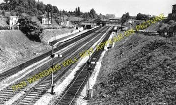 Beaconsfield Railway Station Photo. Gerrards Cross - High Wycombe. GCR & GWR (1)..