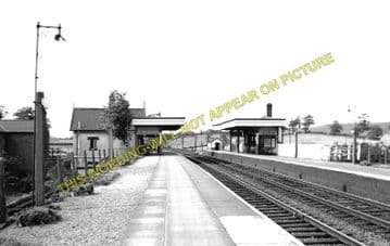 Beeston Castle & Tarporley Railway Station Photo. Waverton - Calveley. (1)