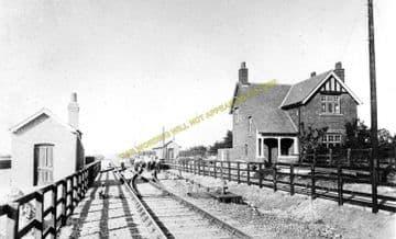 Belton Railway Station Photo. Epworth - Crowle. Haxey to Reedness. (1)
