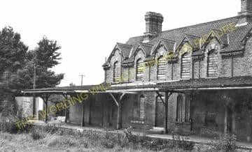 Bembridge Railway Station Photo. St. Helens and Brading Line. Isle of Wight (11)