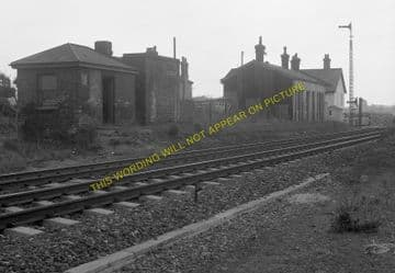 Bentley Railway Station Photo. Manningtree to Ipswich and Hadleigh Lines (2)
