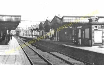 Bethnal Green Railway Station Photo. Liverpool Street to Bow & Hackney Lines (11).