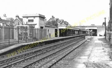 Bexhill Central Railway Station Photo. St. Leonards - Normans Bay. (5)