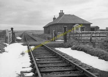 Bilbster Railway Station Photo. Wick - Watten. Georgmas Junction Line. (2)
