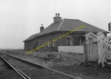 Bilbster Railway Station Photo. Wick - Watten. Georgmas Junction Line. (5)