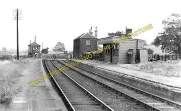 Billing Railway Station Photo. Northampton - Castle Ashby & Earl's Barton. (1)