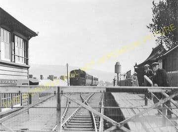 Black Lion Crossing Railway Station Postcard. Cwm Aman - Hirwain. (1)