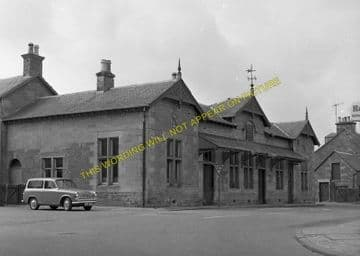 Blairgowrie Railway Station Photo. Rosemount and Coupar Angus Line. (3)