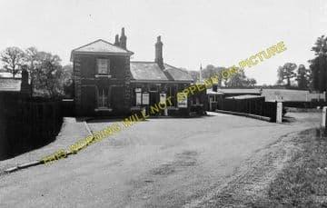 Blake Hall Railway Station Photo. Ongar - North Weald. Epping Line. (3)
