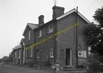 Bledlow Railway Station Photo. Princes Risborough - Thame. Oxford Line. GWR (8)