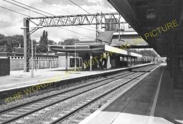 Bletchley Railway Station Photo. Leighton Buzzard - Milton Keynes. L&NWR (21)