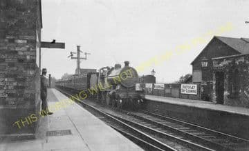 Blisworth Railway Station Photo. Roade - Weedon. Wolverton to Rugby Line. (5).