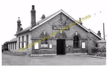 Blisworth Railway Station Photo. Towcester Line. Stratford-on-Avon & Midland (5).