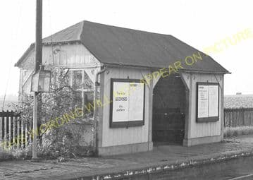 Blunham Railway Station Photo. Sandy - Willington. Bedford Line. L&NWR. (13)