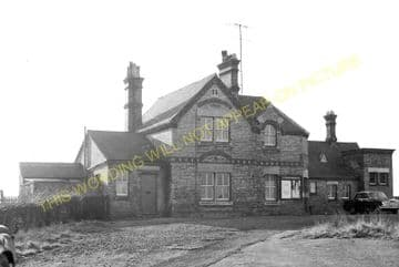 Blunham Railway Station Photo. Sandy - Willington. Bedford Line. L&NWR. (17)