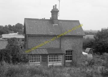 Bluntisham Railway Station Photo. St. Ives - Earith Bridge. Huntingdon Line (7)