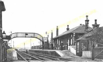 Bonnyrigg Railway Station Photo. Hawthornden - Eskbank. North British Rly. (2)