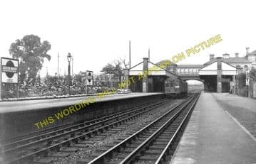 Boston Manor Railway Station Photo. Northfield - Osterley. Hounslow Line. (1)..