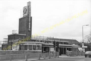 Boston Manor Railway Station Photo. Northfield - Osterley. Hounslow Line. (5)