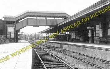 Bourne End Railway Station Photo. Wooburn Green to Cookham and Marlow Lines (1)..