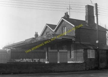 Bourne End Railway Station Photo. Wooburn Green to Cookham and Marlow Lines (16)