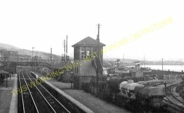 Bowling Railway Station Photo. Kilpatrick - Dumbarton. North British Railway (1)
