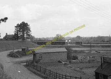 Brackley Central Railway Station Photo. Finmere - Helmdon. Great Central. (16)