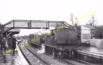 Brading Railway Station Photo. Sandown to Bembridge & Ryde Lines. (18)