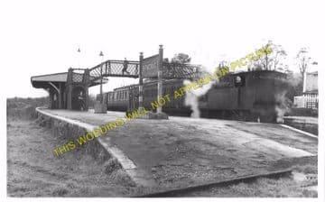 Brading Railway Station Photo. Sandown to Bembridge & Ryde Lines. (2)