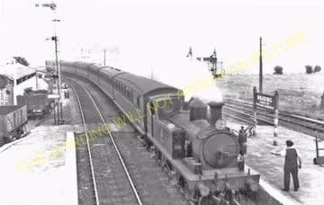 Brading Railway Station Photo. Sandown to Bembridge & Ryde Lines. (21)