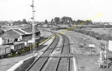 Brading Railway Station Photo. Sandown to Bembridge & Ryde Lines. (23)