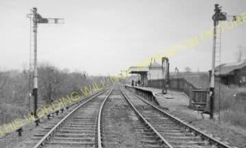 Braunston London Road Railway Station Photo. Daventry - Flecknoe. L&NWR. (2)