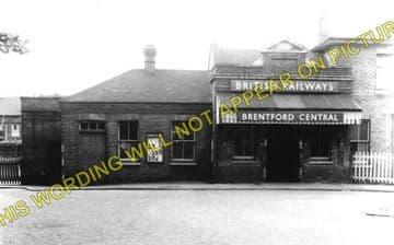 Brentford Central Railway Station Photo. Isleworth - Kew Bridge. L&SWR. (1)..