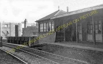 Brentford Central Railway Station Photo. Isleworth - Kew Bridge. L&SWR. (2)