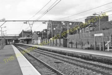 Brentwood & Warley Railway Station Photo. Harold Wood - Shenfield & Hutton (13)