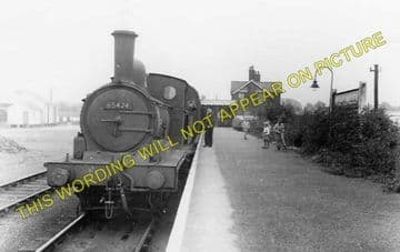 Brightlingsea Railway Station Photo. Wivenhoe and Colchester Line. (1)..