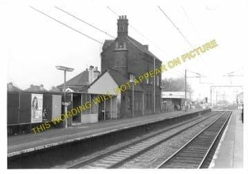 Brimsdown Railway Station Photo. Ponders End - Enfield Lock. Cheshunt Line. (3)