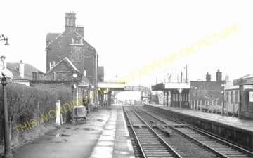 Brimsdown Railway Station Photo. Ponders End - Enfield Lock. Cheshunt Line. (4)