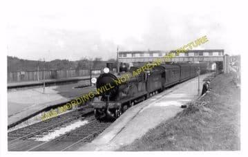 Broadstone Railway Station Photo. Wimborne to Poole and Hamworthy Lines. (16)