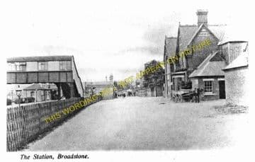 Broadstone Railway Station Photo. Wimborne to Poole and Hamworthy Lines. (18)