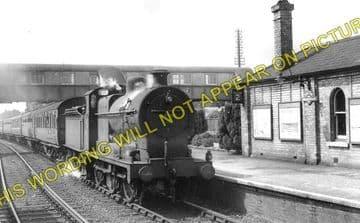 Broadstone Railway Station Photo. Wimborne to Poole and Hamworthy Lines. (3)