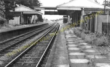 Broadway Railway Station Photo. Laverton - Willersey. Toddington Line. (10)