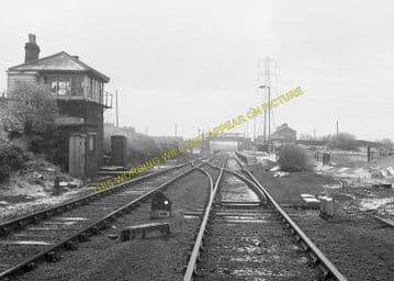 Brockley Whins Railway Station Photo. Fellgate to Boldon Line. (9)