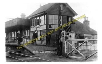 Broomlee Railway Station Photo. Macbie Hill - Dolphinton. Leadburn Line. (2).