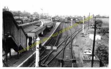 Broxbourne & Hoddesdon Railway Station Photo. Cheshunt to Rye House. (10)